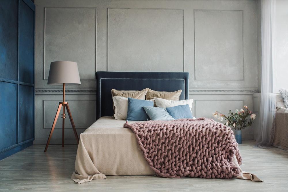 sleep-friendly bedroom